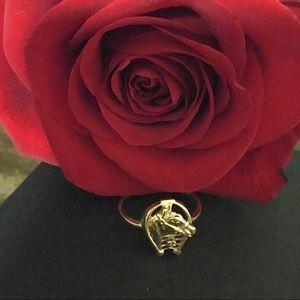🐴 14k horseshoe diamond ring
